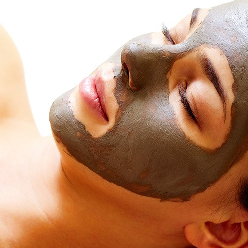 GLO Therapeutic  Facial & Chemical Peel (Medical Facial)